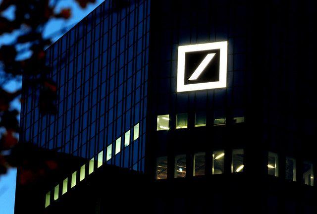 Nighttime use of the Deutsche Bank logo Banks logo
