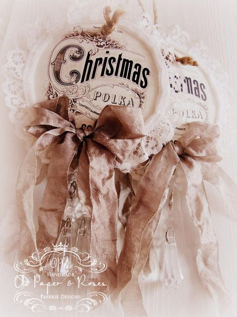 Old Paper Roses: Some Christmas decorations and a beautiful gift...