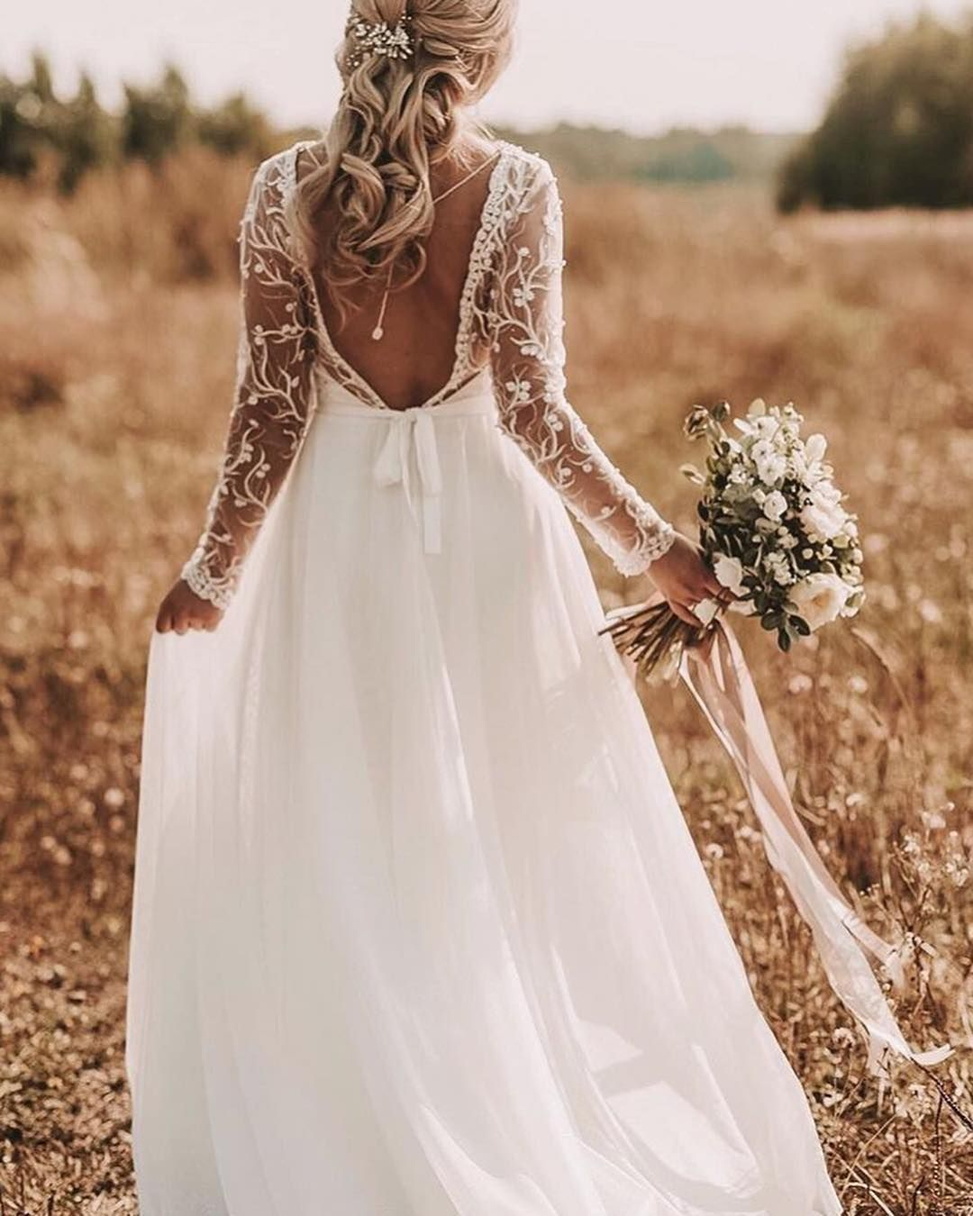 Beach Wedding Dress Idea Fitted Lace Gown With A Sweetheart