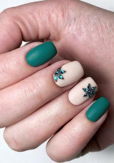 Love these nails colors #longacrylicnails #holidaynails