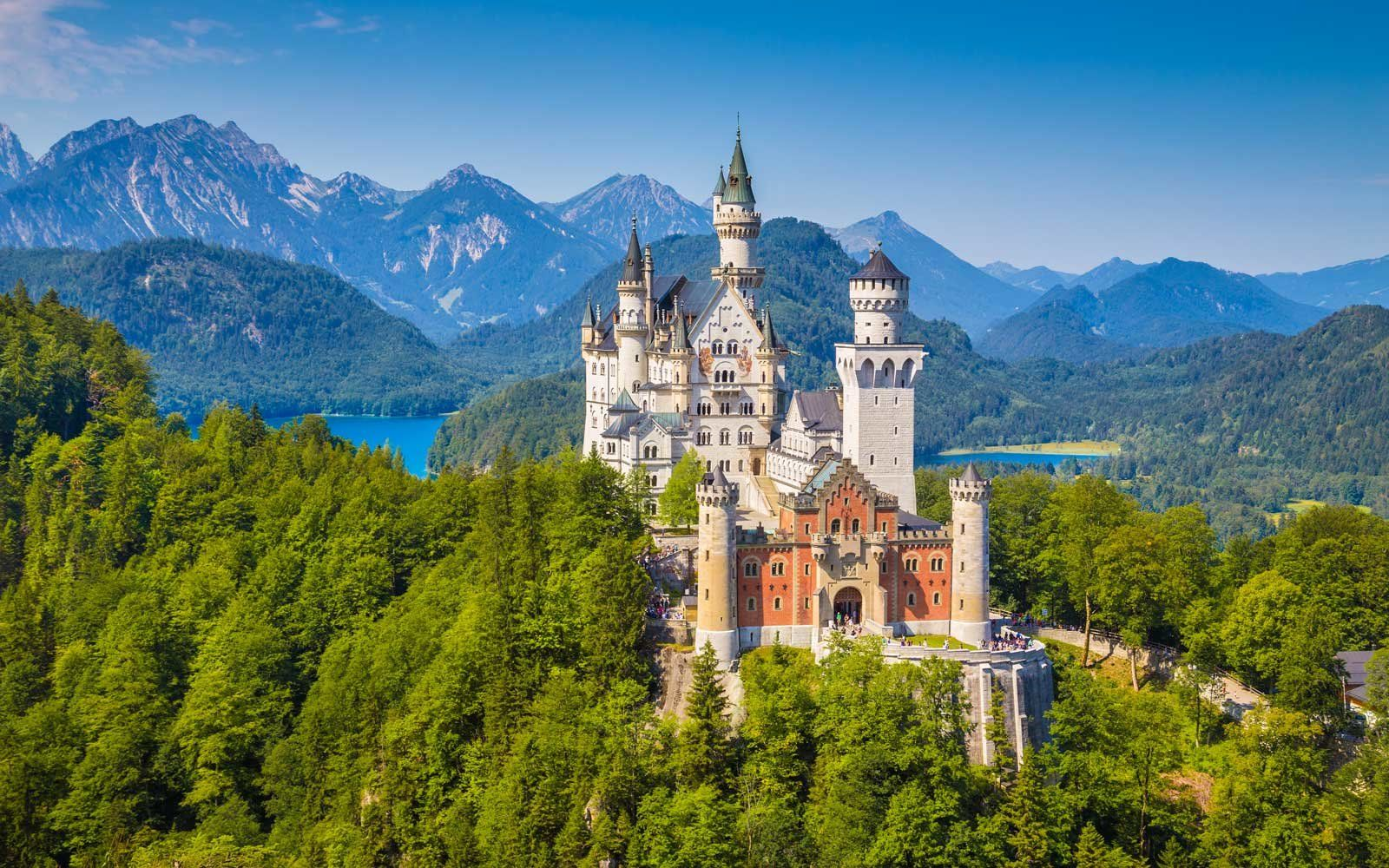 25 Facts About Neuschwanstein Castle In Germany Germany Castles Neuschwanstein Castle Germany Travel Guide