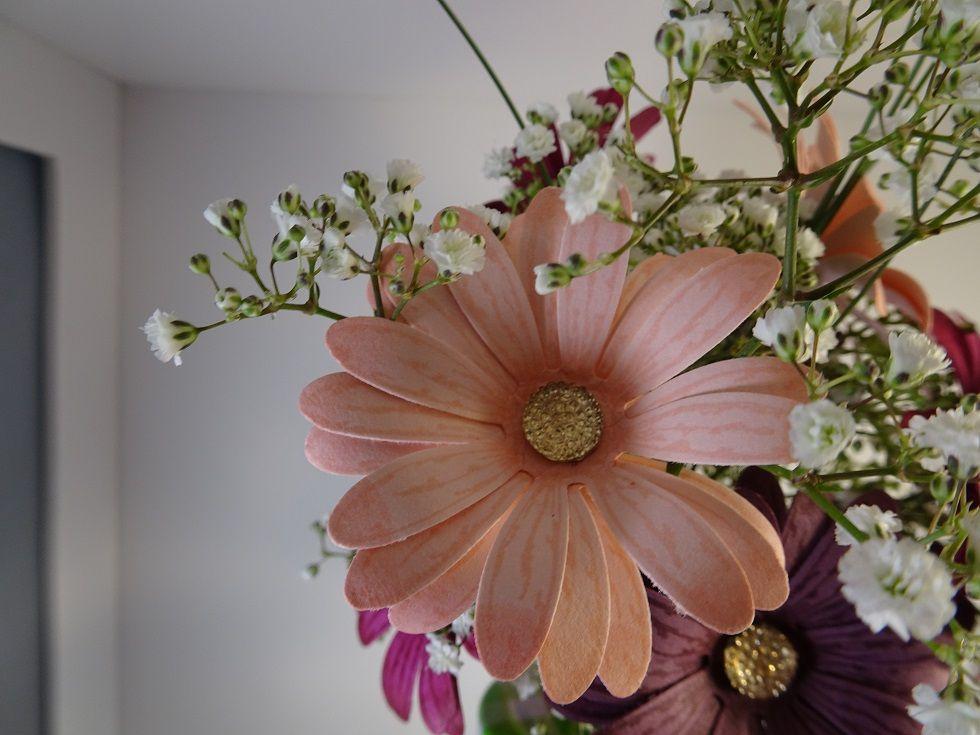 bouquet de fleurs avec la perforatrice jolie marguerite | Bouquet de fleurs, Marguerite, Fleurs