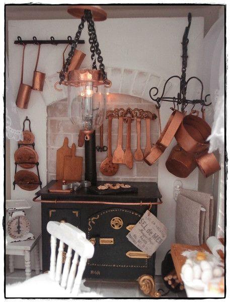 deko objekte miniatur k che in einer laterne ein designerst ck von puppen pinterest. Black Bedroom Furniture Sets. Home Design Ideas