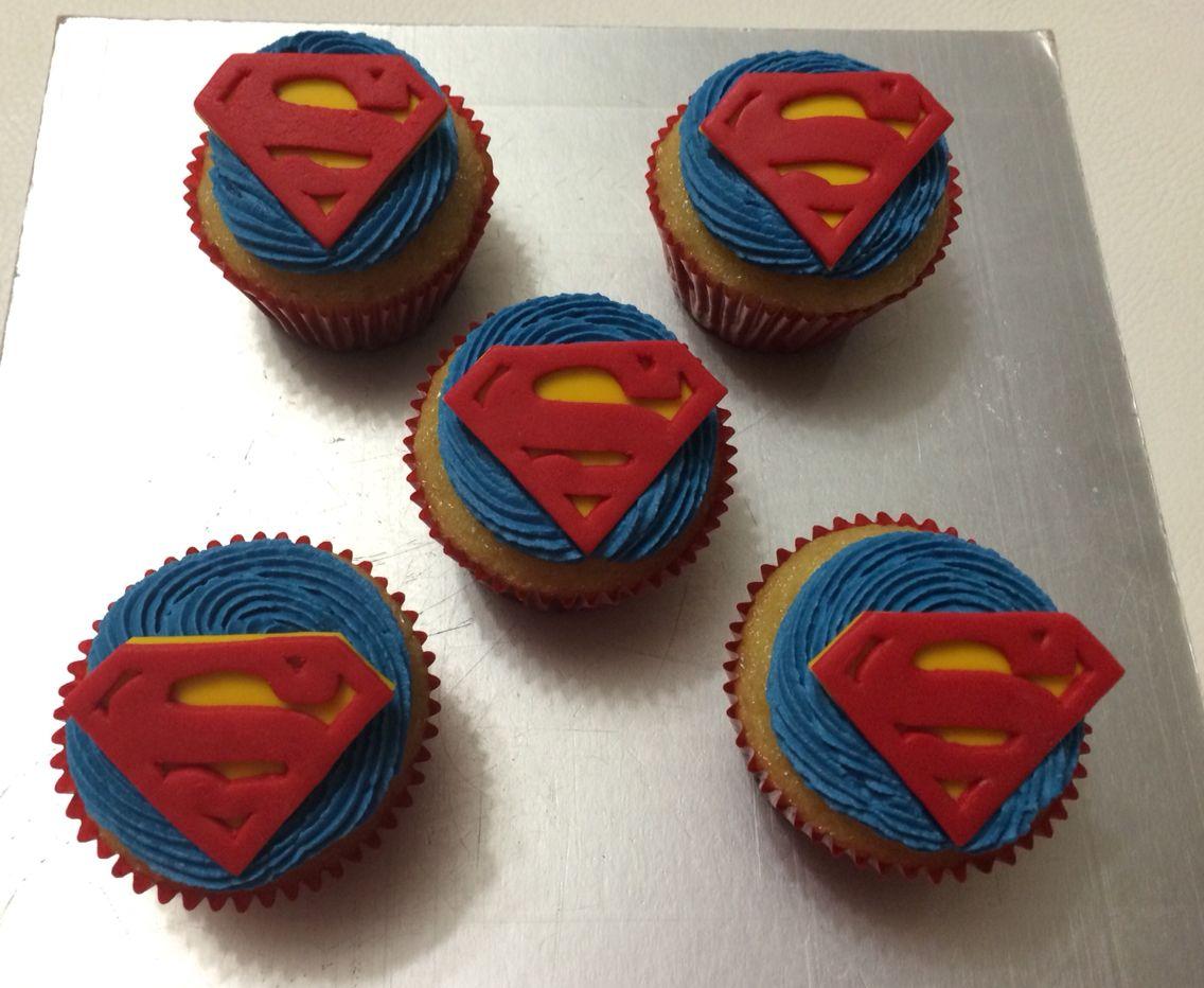 Superman cupcakes. My favorite super heroe.