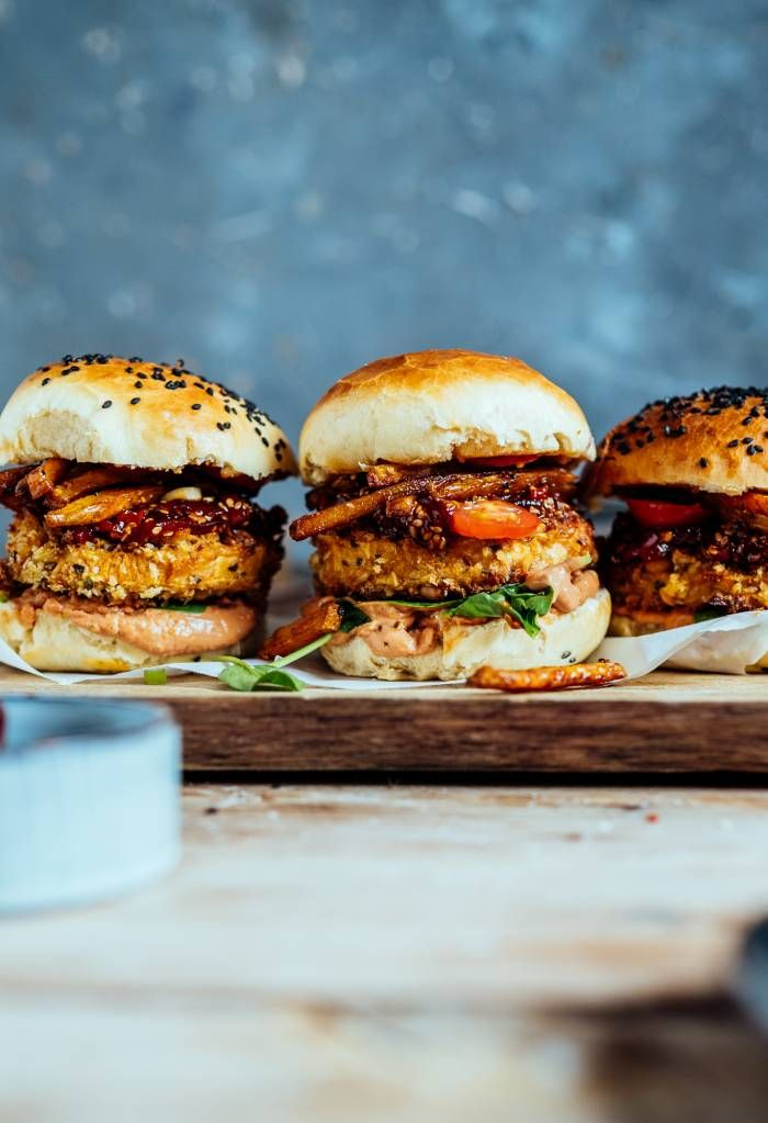 Crispy Süßkartoffel Burger: Kommt, wir schlemmen vegetarisch ⋆ Knusperstübchen