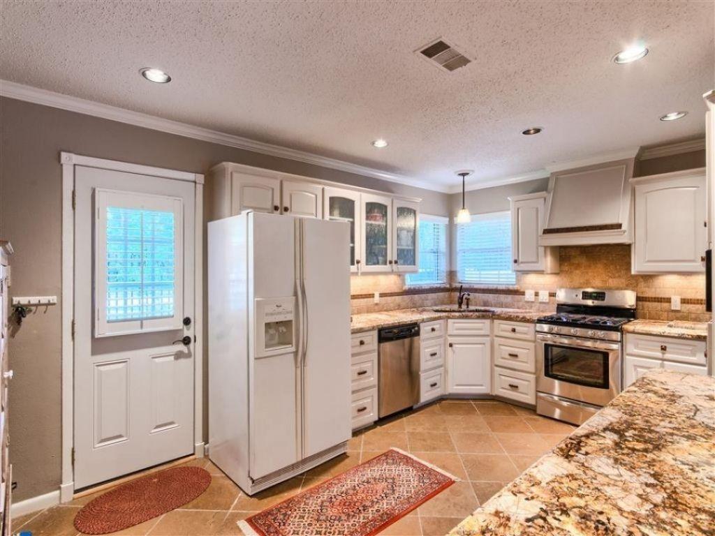20 Elegant Kitchen Ideas With A Corner Sink Kitchen Ideas Cornersink Kitchenideas Corner Sink Kitchen Kitchen Layout Kitchen Sink Design