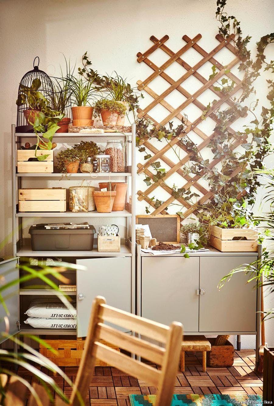 12 Idees De Rangement Pour Les Outils De Jardin En 2020 Rangement Terrasse Outils De Jardin Idee Rangement
