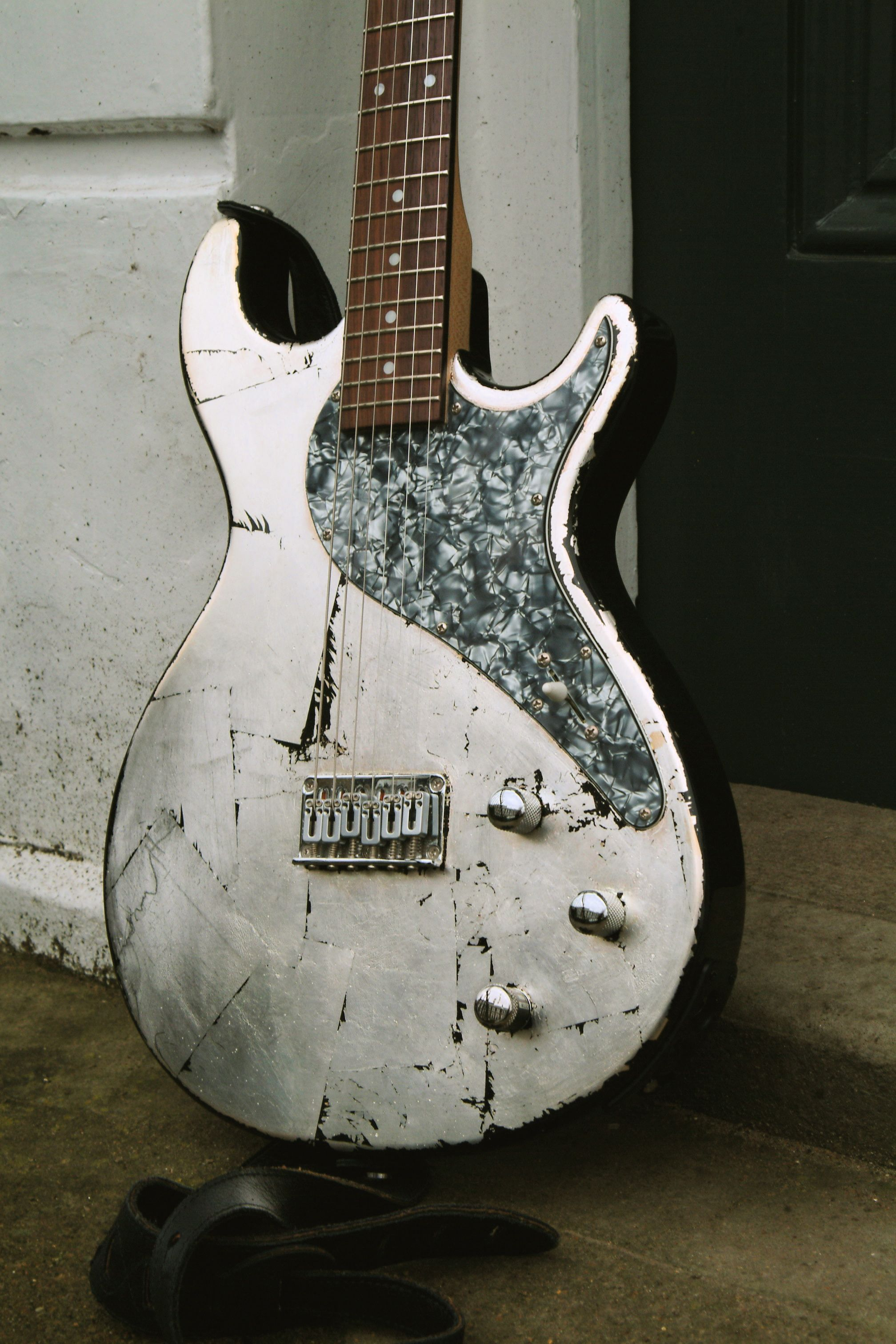 Gorgeous Guitar Gilded In Silver Leaf Creating A Distressed Very Wiring 101 Basic Electronics Mylespaulcom Rock N Roll Look