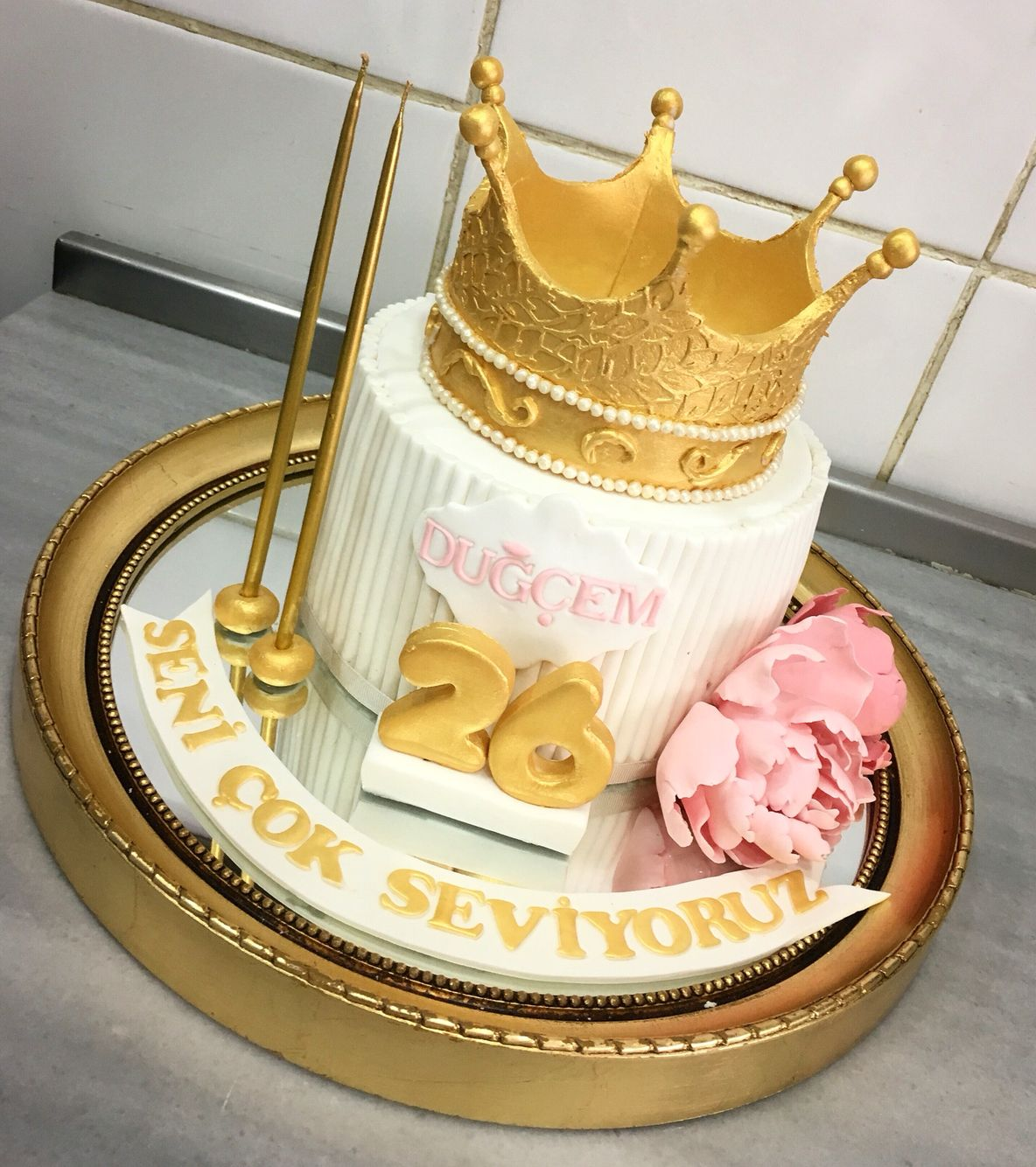 Queen Crown Birthday Cake
