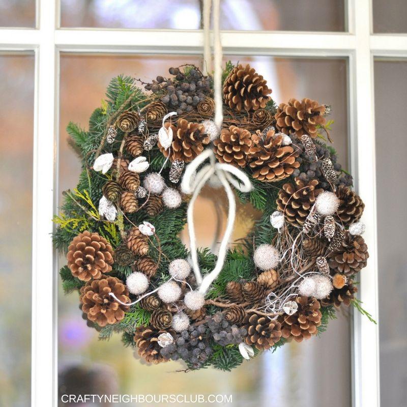 winterkranz binden ein besuch bei lykketraef in nahe weihnachten kranz weihnachten und winter. Black Bedroom Furniture Sets. Home Design Ideas
