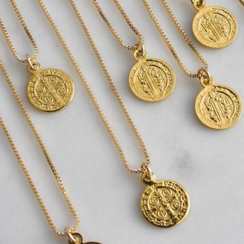 gold filled benedict charm necklace. beautiful chic gold layering necklace. //www.thegoodfox.com
