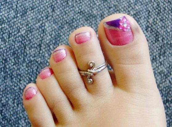 Beautiful toe nails might put you in an instant good mood nail beautiful toe nails might put you in an instant good mood nail art for toes prinsesfo Image collections