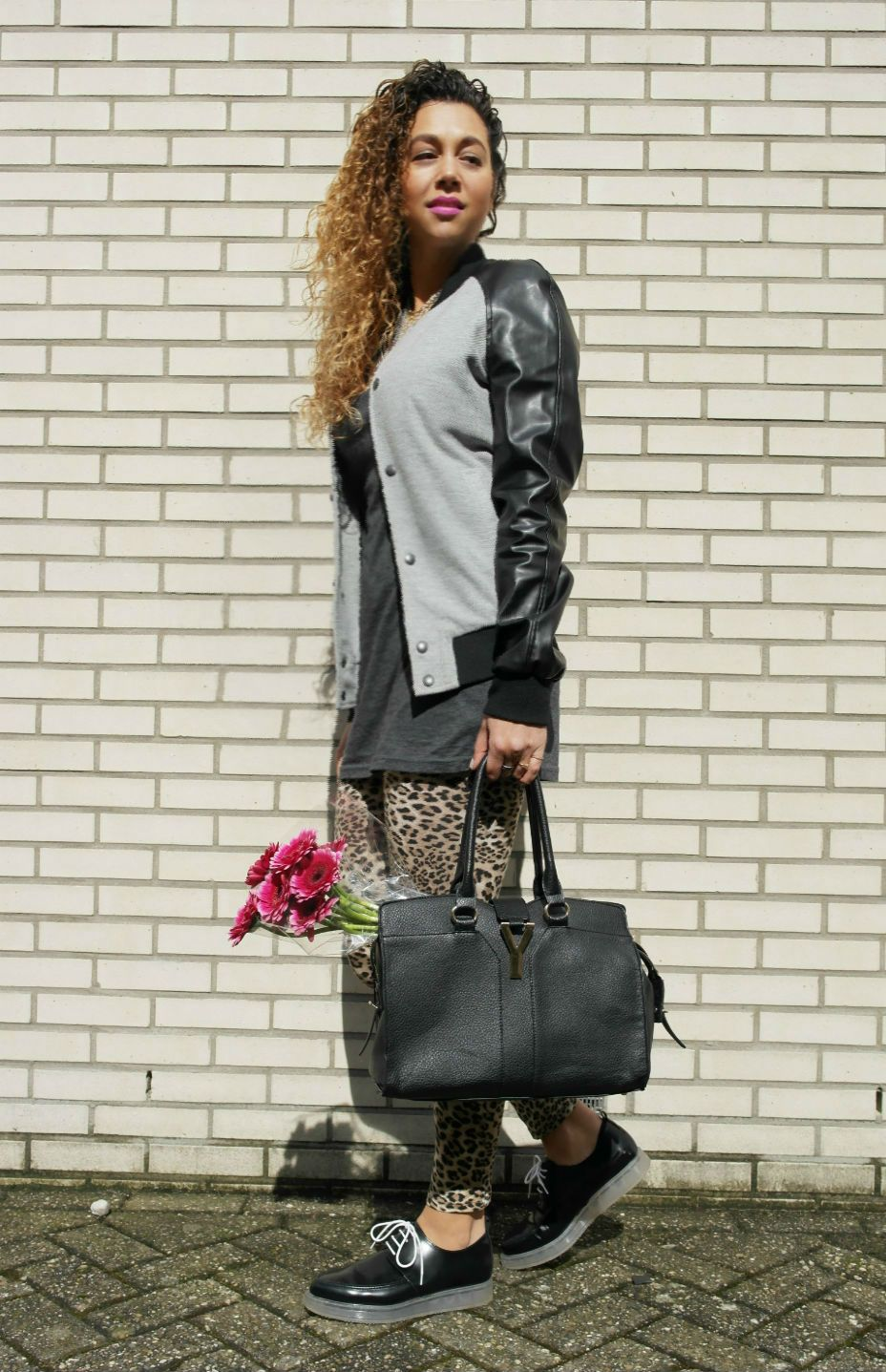 http://www.missiontostyle.nl/2014/03/my-style-ill-bring-you-flowers.html  Fashion and Style blogger MissionToStyle