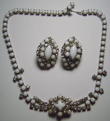 Vintage Milk Gl Rhinestones Clip On Earrings Necklace Set Patent 2583988
