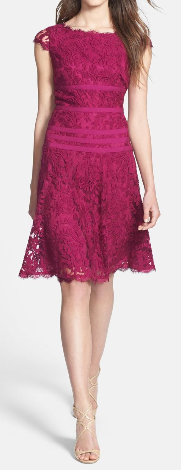 Berry Lace Dress | Look Party | Pinterest | Color bordo, De encaje y ...