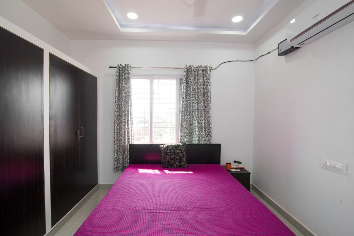 Living Quarter Offers Fully Furnished Luxury Serviced Apartments And Shared Accommodations In Hyderabad Fo With Images Furnished Studio Apartments Flat Rent Rooms For Rent
