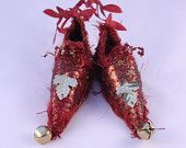 Berry Red Fairy Schuhe gehören Wanderlust Eichenblatt magische Wohnkultur Elf Schuh Slipper Ornament Elf Feenwesen Schuh Soft Skulptur Puppe Schuh