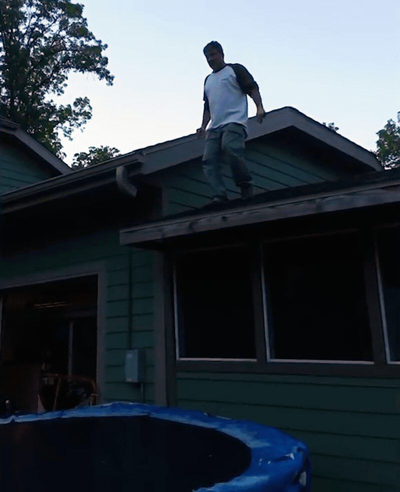 Jumping Off A Roof To A Trampoline Wcgw Trampoline Roof Jump