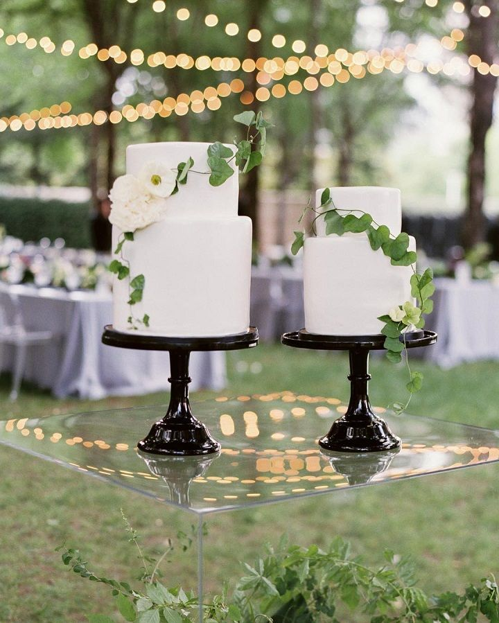 Wedding Cake on Acrylic cake table #weddingcake #cakes