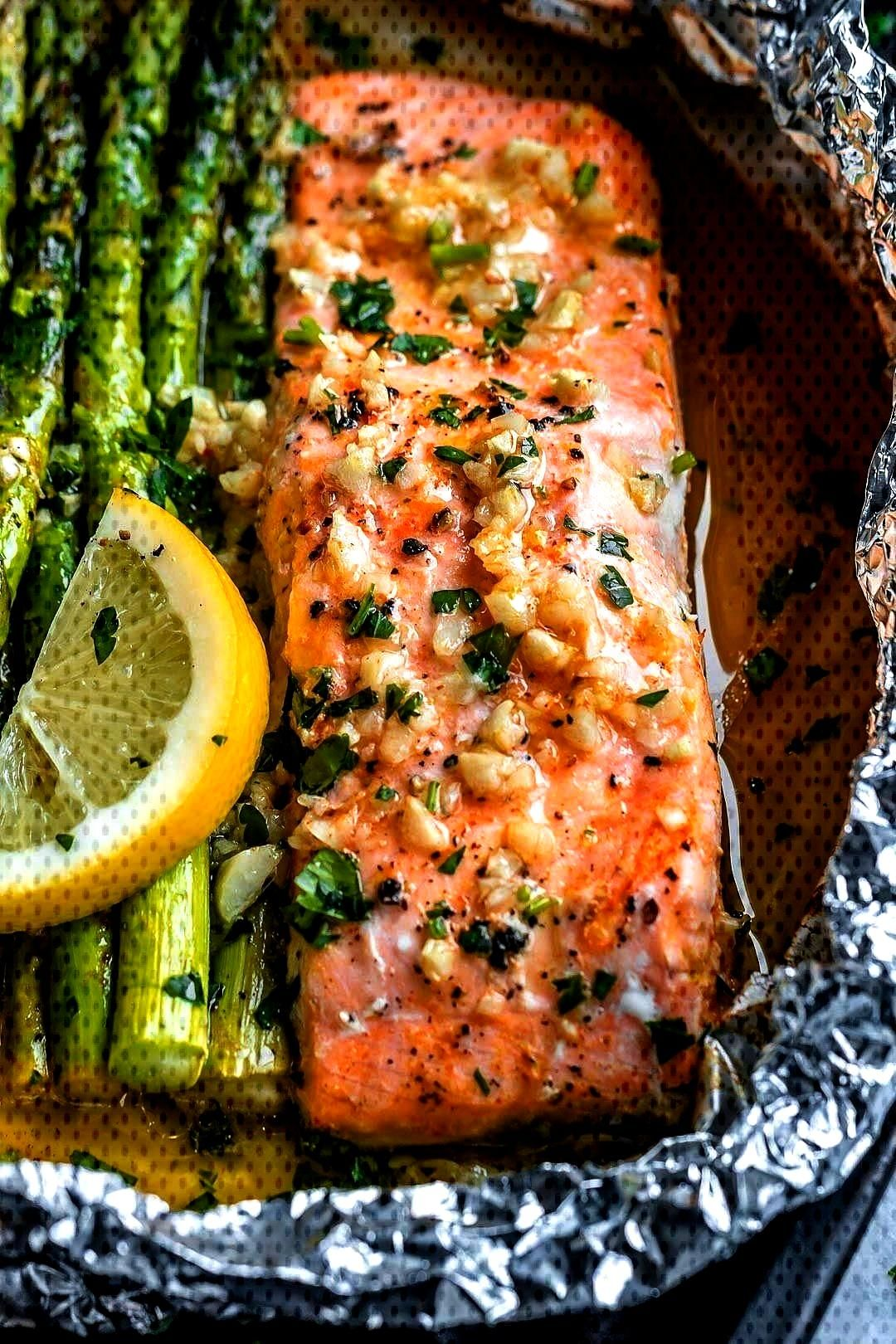 and Asparagus Foil Packs with Garlic Lemon Butter Sauce - My Blog - -Salmon and Asparagus Foil Pack