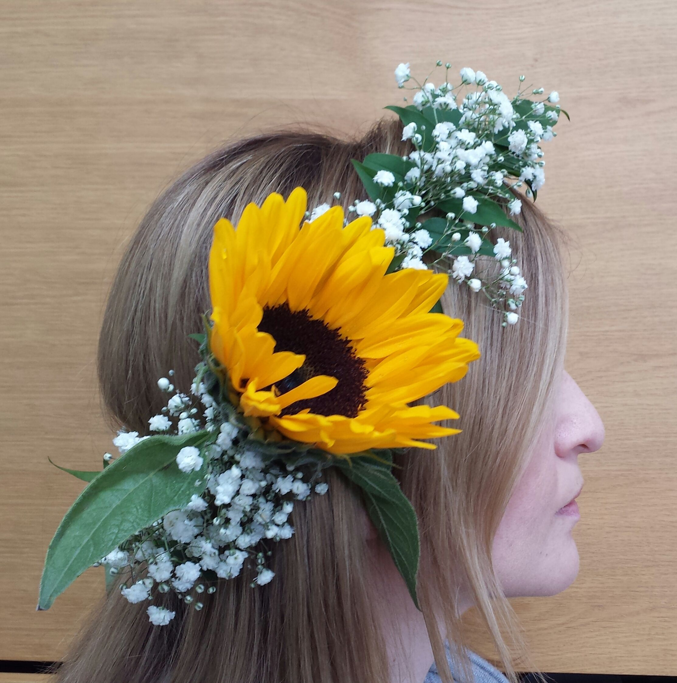 Wedding Hairstyle With Jasmine Flower: Boutique Blooms