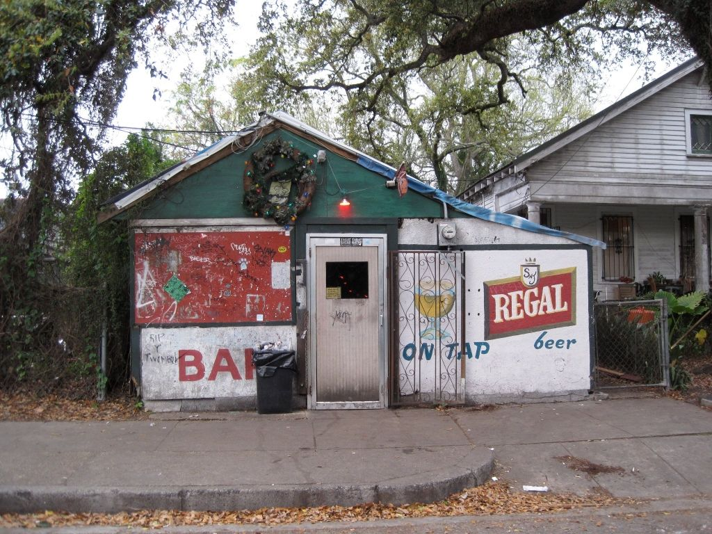 New Orleans Top 10 Dive Bars Crowdtrips Blog Dive Bar Cool Bars Old Bar
