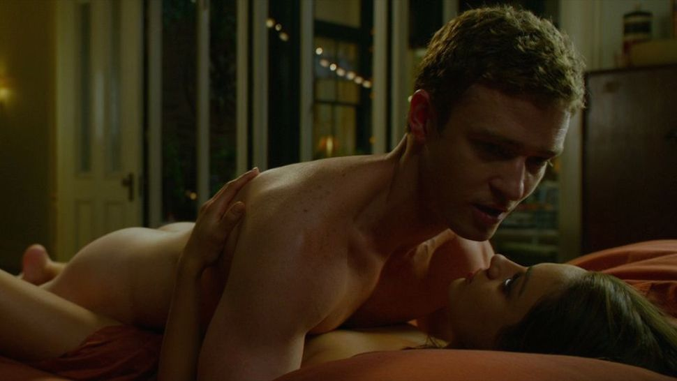 Mila Kunis Sex In Friends With Benefits