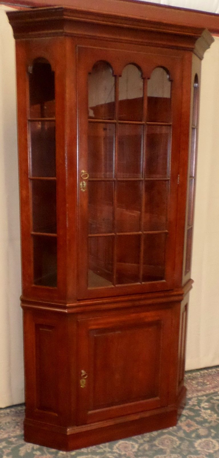 Pennsylvania House Corner Cabinet Cherry With Sidelites Vintage Ebay China