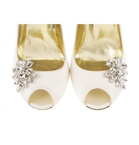 9102373fef7f Freya Rose shoe clip  Kelly  is a beautiful handmade detail which sees high  end couture meet old Hollywood glamour.
