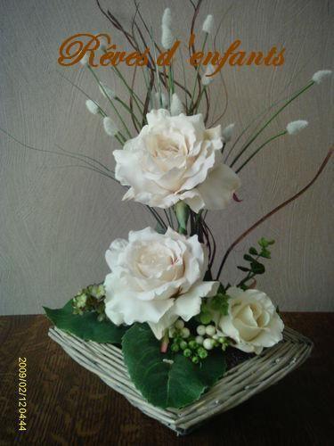 composition avec fleurs artificielles deco florale. Black Bedroom Furniture Sets. Home Design Ideas
