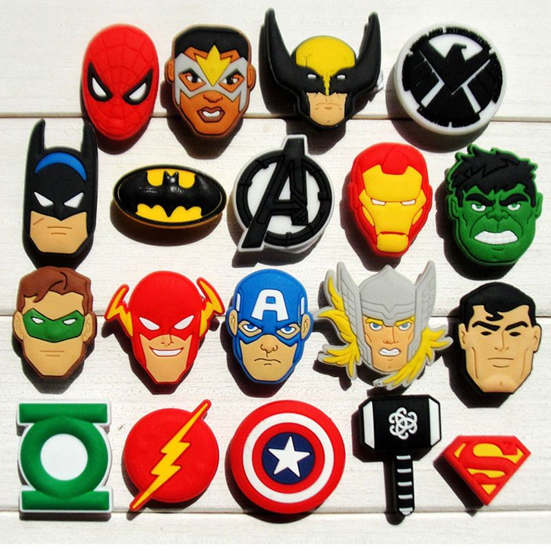 SHOE   JIBBITZ CHARMS  DOODLES SUPERHEROES 5 CHARMS FOR HOLEY SANDALS