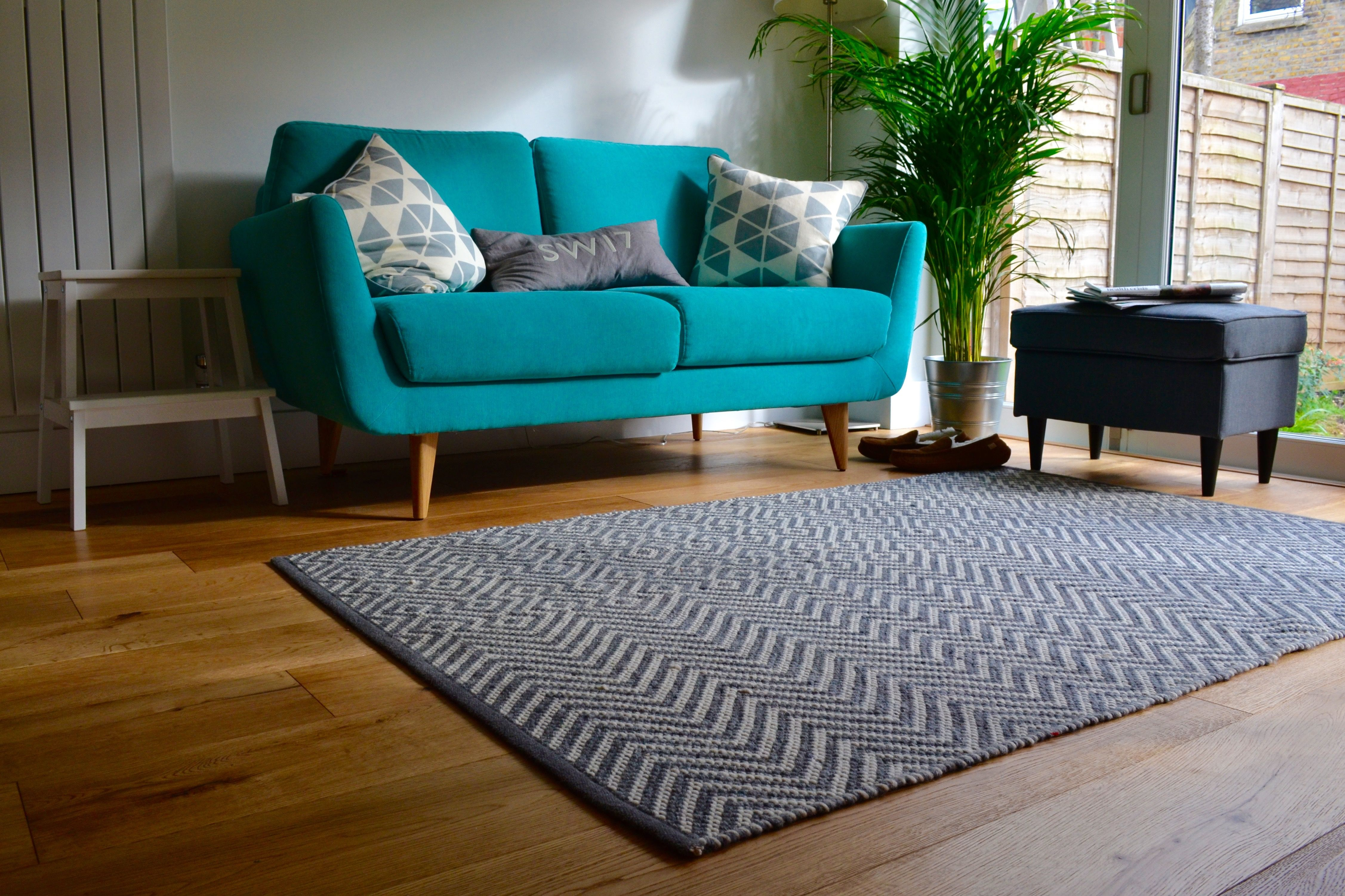 Rucola sofa and John Lewis rug in kitchen/diner extension with