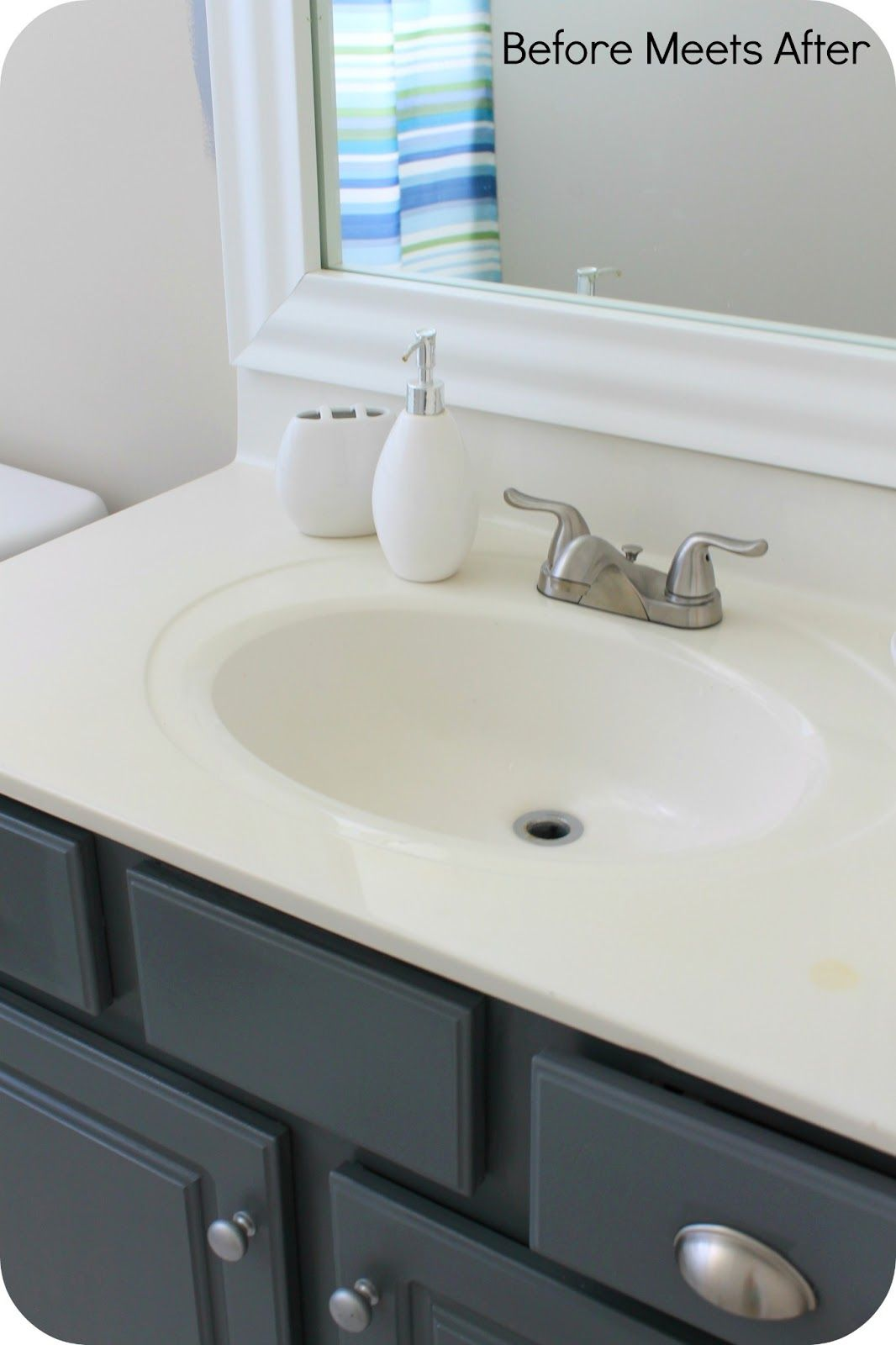 Before Meets After: Bathroom vanity makeover with Annie Sloan Chalk ...