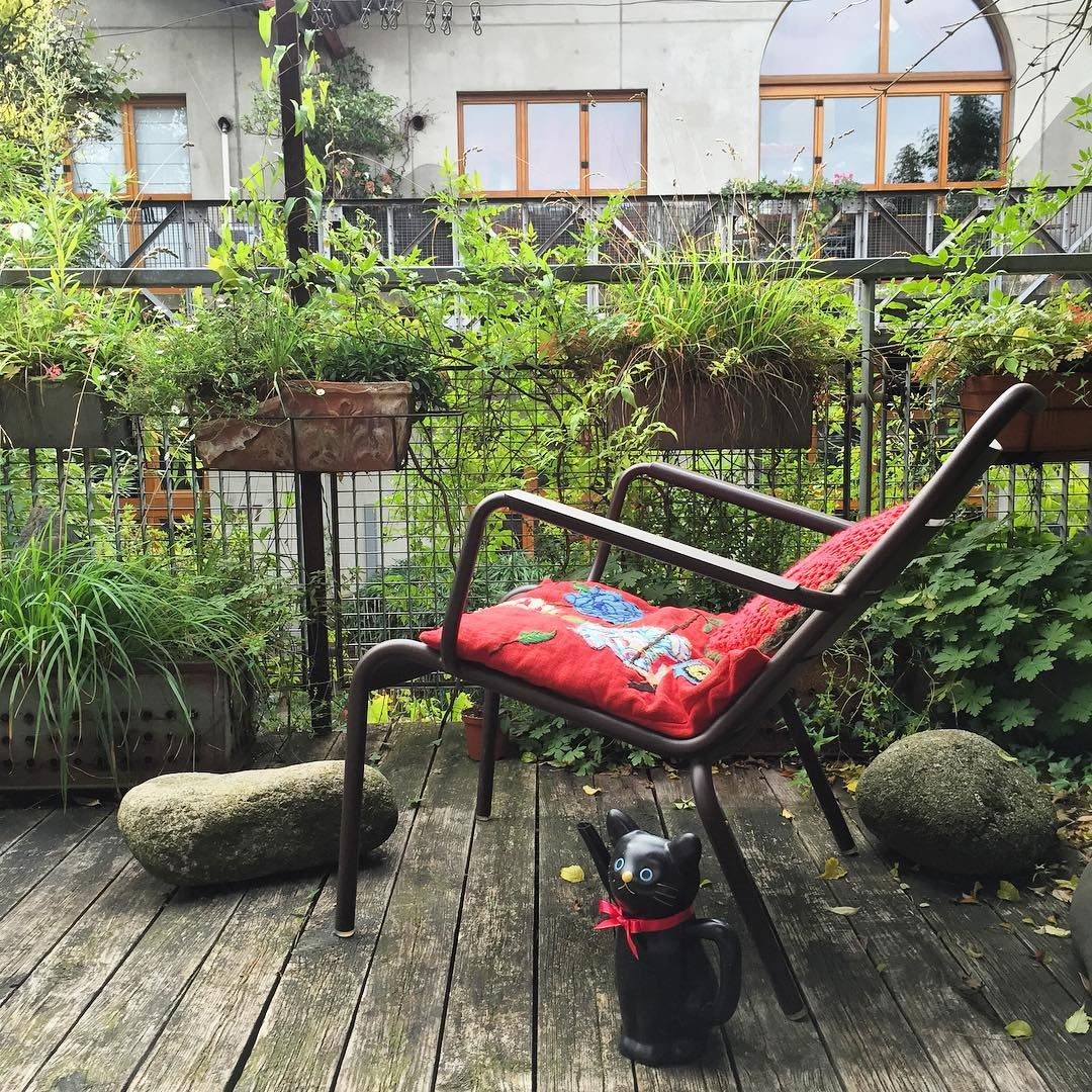 From by bed , small space of green in the suburb of Paris...