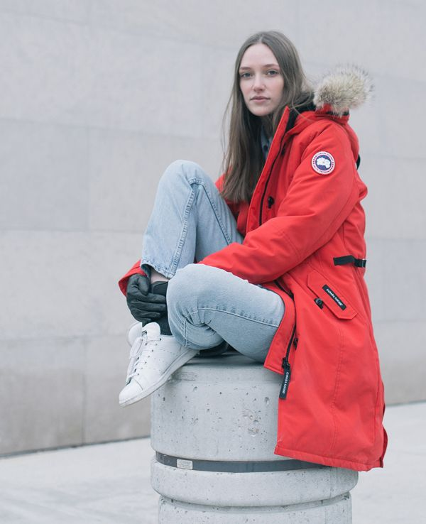 Face Winter In The City With The Canada Goose Kensington Parka Askanyonewhoknows Streetstyle Kensington Parka Canada Goose Fashion Womens Fashion Jackets