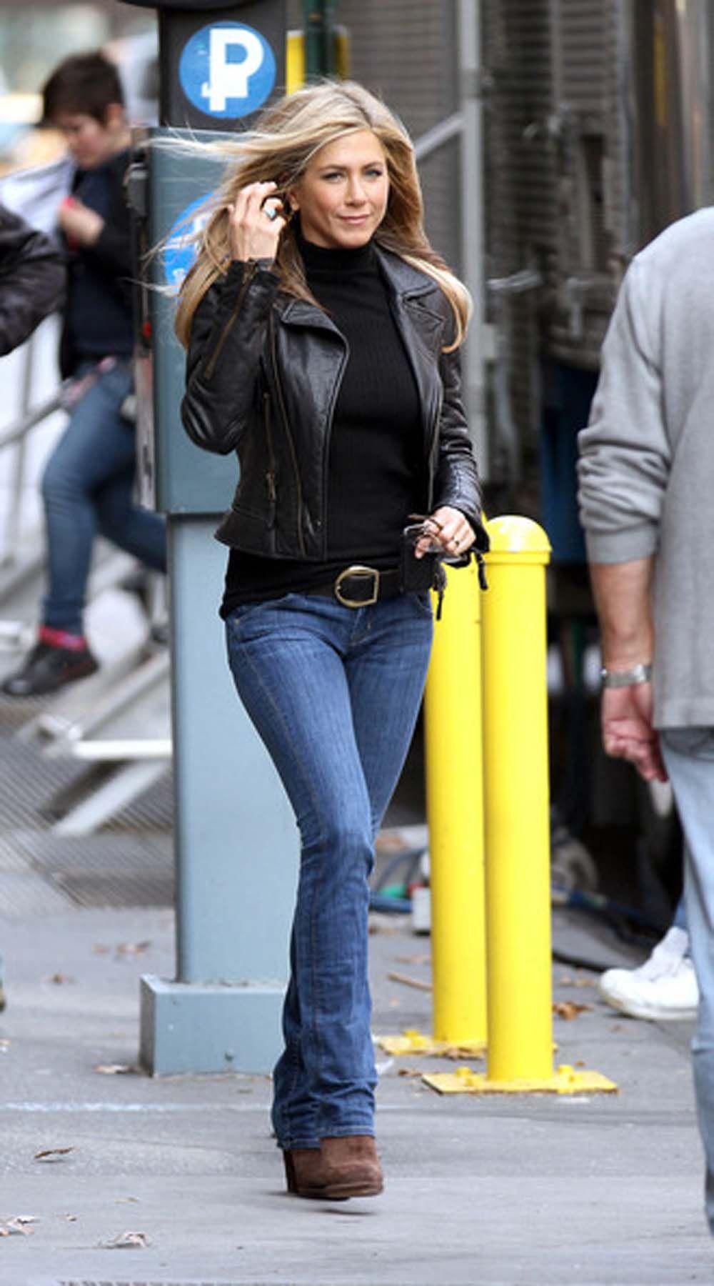 d577d577328d Jennifer Aniston with Black Leather Jacket