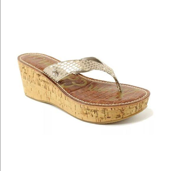 4c4a89f3689 Sam Edelman Wedge Thong Very pretty wedge sandal