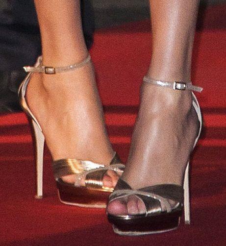 Music girls heels picutres sexy — photo 14