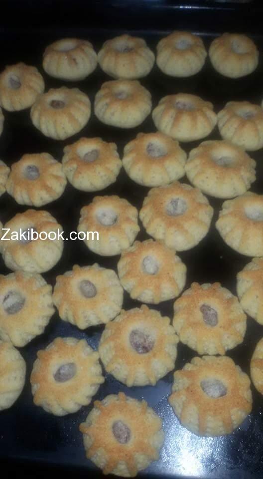 كعك بالسميد طري وبذوب بالتم زاكي Savoury Food Middle Eastern Desserts Arabic Dessert