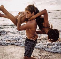 linda pareja de playa
