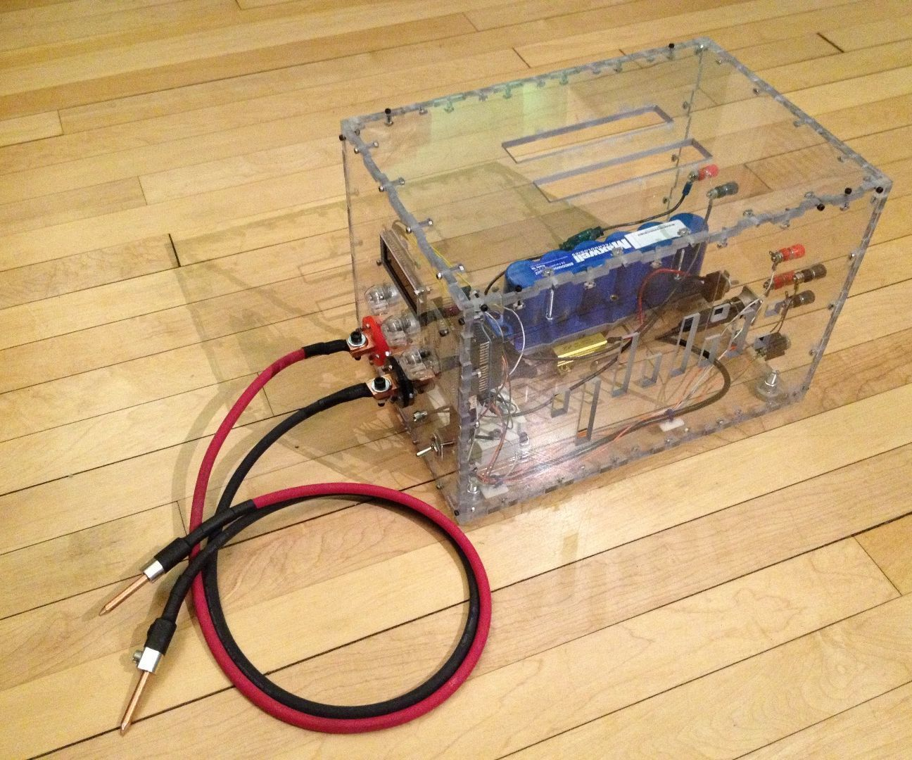 hight resolution of this instructables includes plans to build a dual pulse capacitive discharge spot welder that can output 400 amps in 60 micro seconds