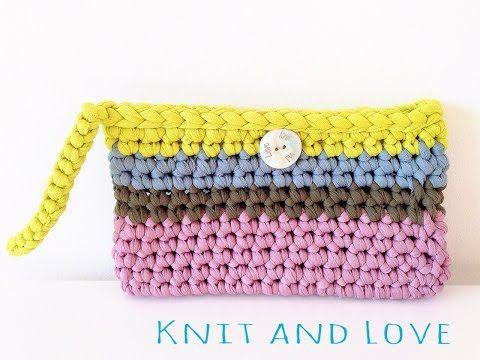 Bolso de Mano Multicolor a Crochet de KNIT AND LOVE www.knitandlove.com/