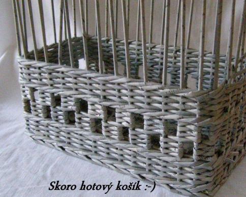 Sensitividad tecnicas cesteria en papel de periodico ideas para el hogar pinterest papel - Decorar cestas de mimbre paso a paso ...