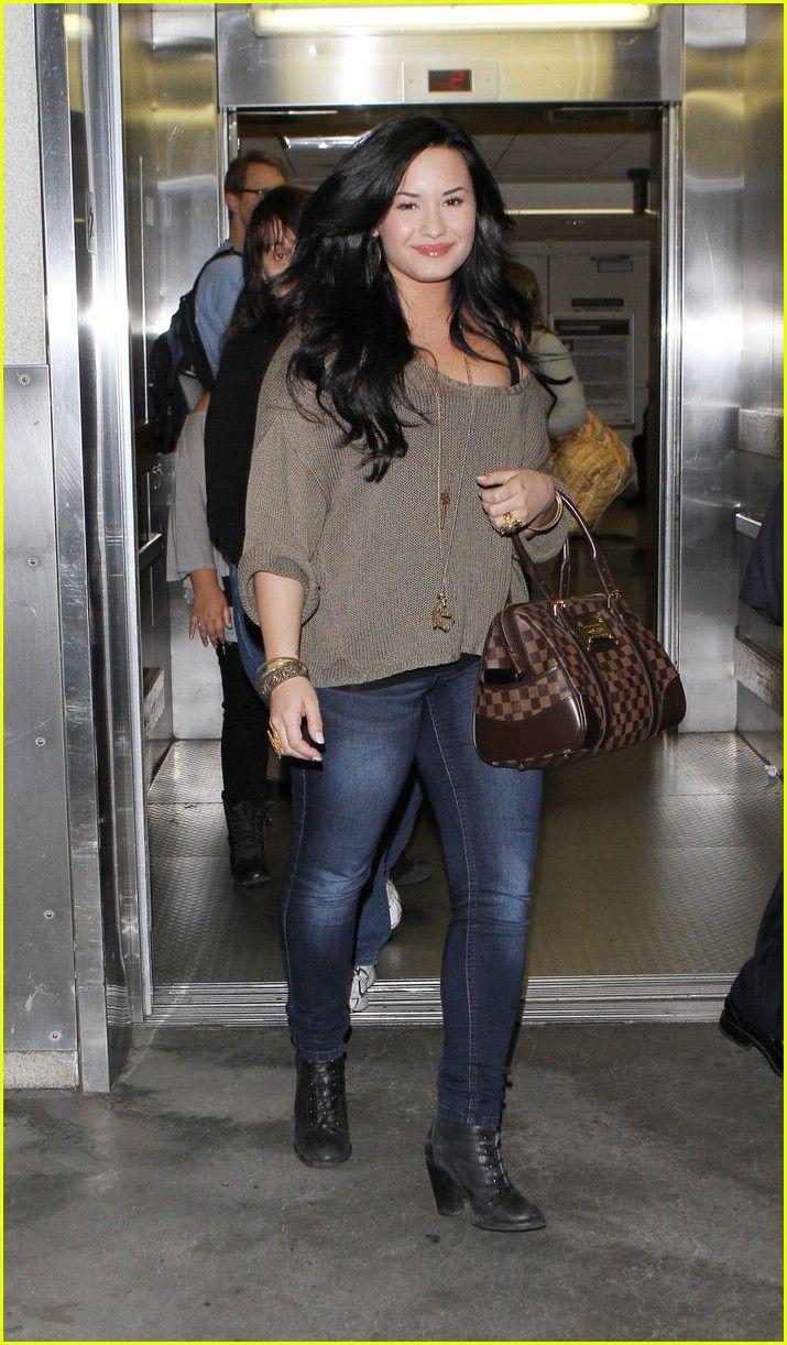 Demi Lovato Working With Lady V Again   demi lovato lax sunday 02 - Photo