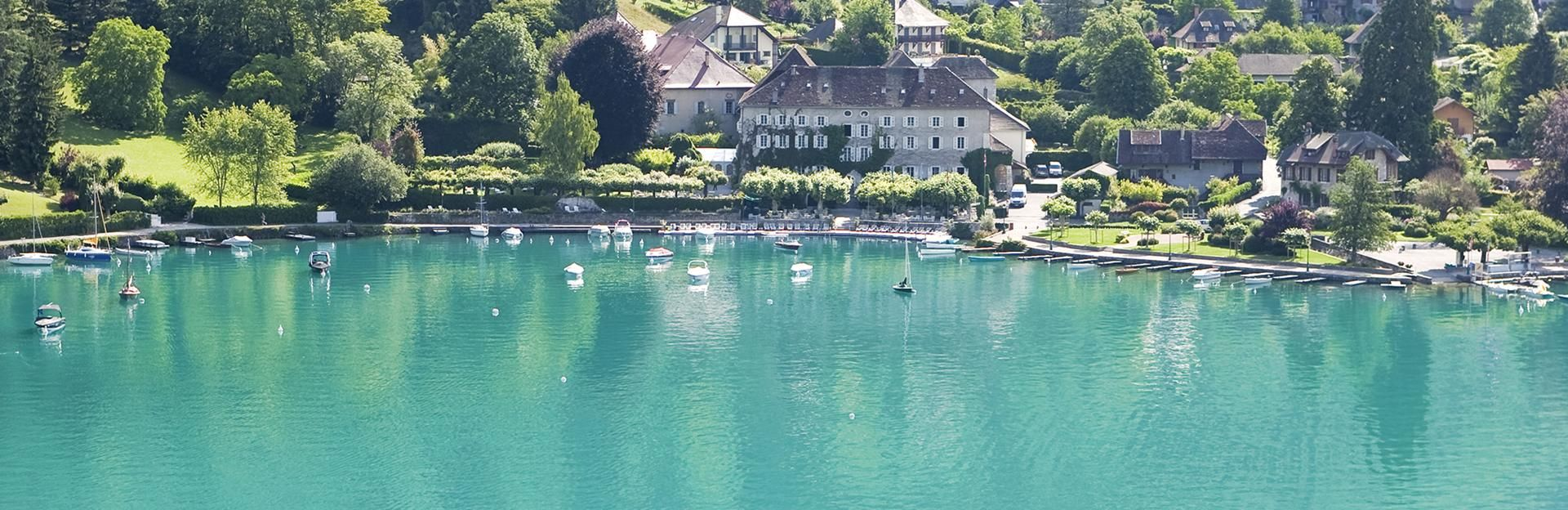Abbaye de Talloires sur le lac d'Annecy