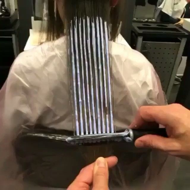 Now this is an interesting way to highlight/paint hair! Thank you for sharing @kenan_senay #hothairvids #hotonbeauty