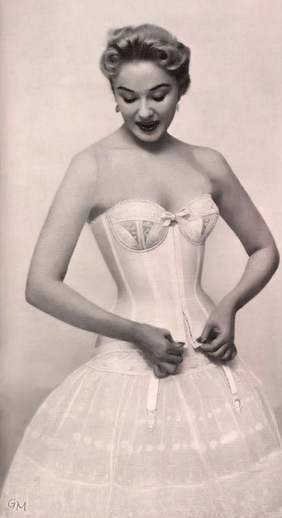 6ea4122afaa korsettfanatiker  girdlelove  Perma Lift 1956 Fantastic hug from a corset