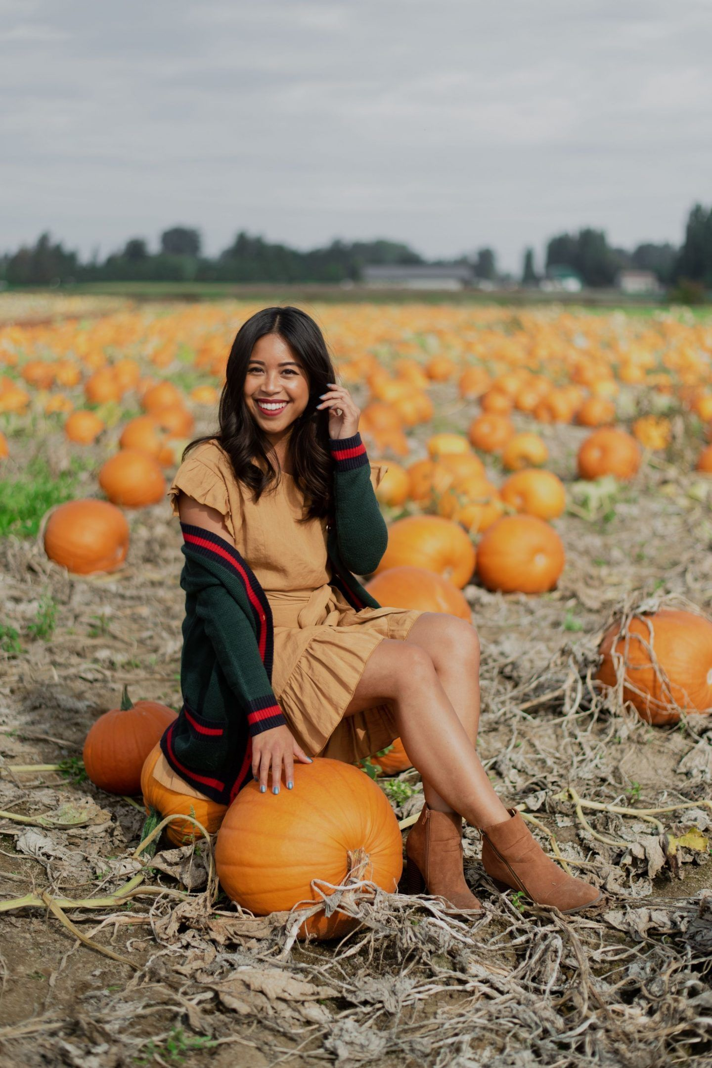 6 Pumpkin Patch Outfit Ideas You Can Wear This Fall - fall fashion - pumpkin patch - pumpkin patch pictures - pumpkin patch pictures friends - october - fall fashion - fall style -varsity cardigan- just fab shoes - fall outfit ideas #pumpkinpatchoutfit 6 Pumpkin Patch Outfit Ideas You Can Wear This Fall - fall fashion - pumpkin patch - pumpkin patch pictures - pumpkin patch pictures friends - october - fall fashion - fall style -varsity cardigan- just fab shoes - fall outfit ideas #pumpkinpatchoutfit