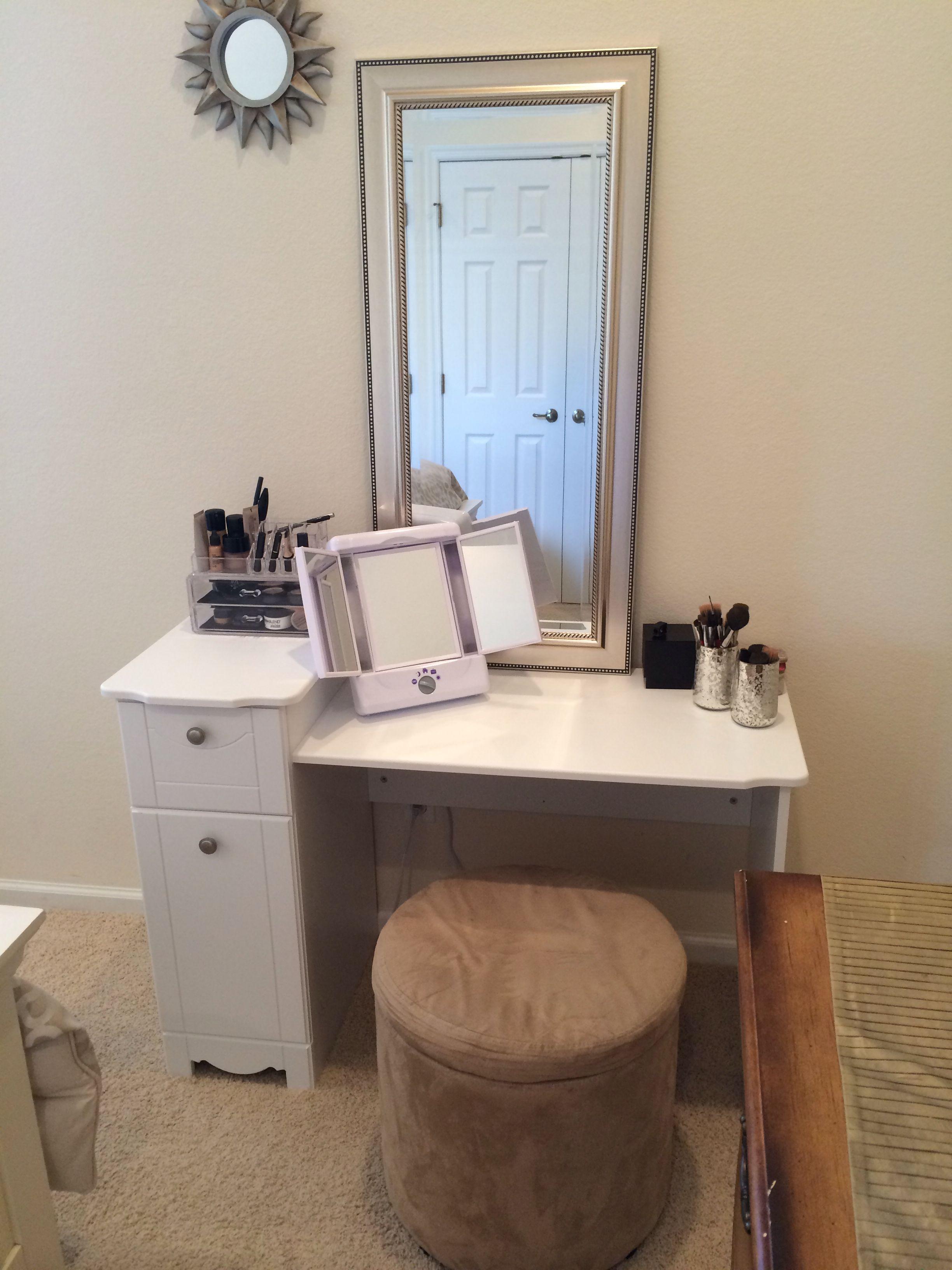 Pin By Dheja Green On Creative Vanities And Makeup Storage Diy Makeup Vanity Beauty Room Vanity Makeup Vanity