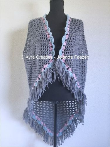 #PATR1067 #Xyra #xyracreaties #vest #gilet #haakpatroon #patroon #haken #gehaakt #crochet #pattern #crochetpattern #DIY #Omslagdoek #haakpatroon #patroon #haken #gehaakt #crochet #pattern #poncho #DIY #shawl #wrap #scarf Patroon PATR1067 (NL) is beschikbaar via: Pattern PATR1067 (English-US) is available at: www.xyracreaties.nl www.ravelry.com/stores/xyra-creaties www.etsy.com/shop/XyraCreaties